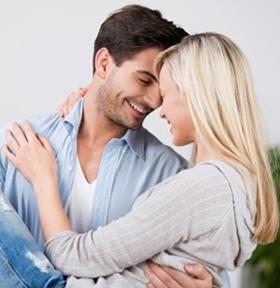 sandusky-couple-hug
